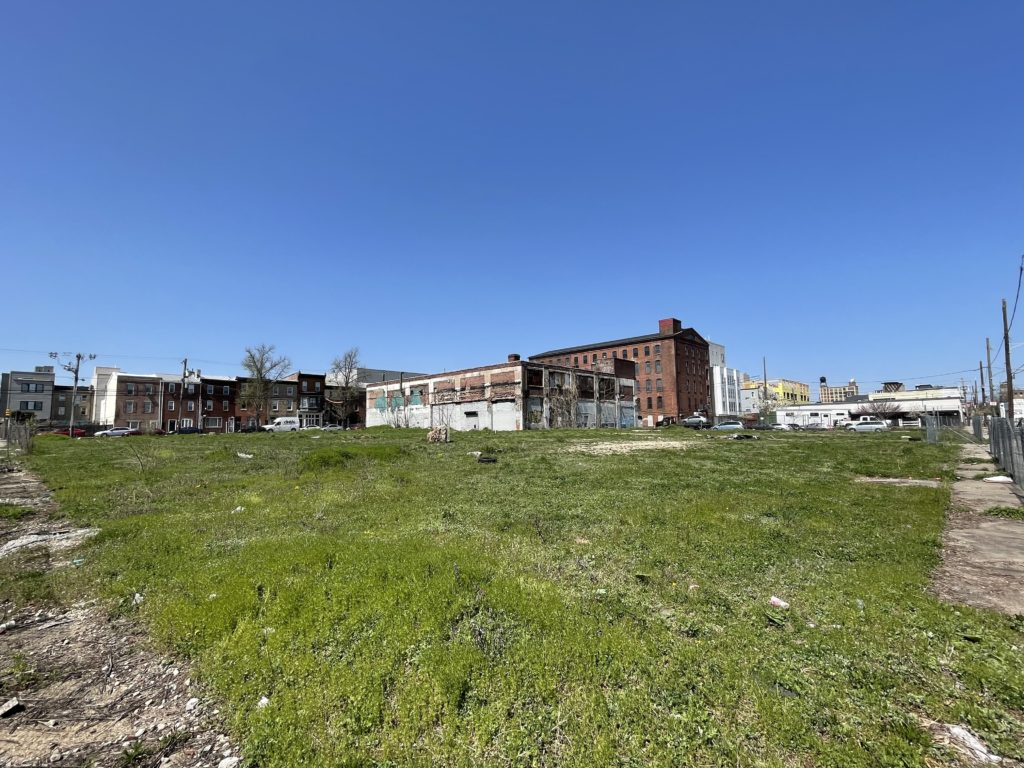 vacant lot at 175 W. Oxford St